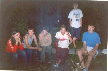 č.69 -> 21-1-03-roby-summer2002-camp100.jpg (15kb)